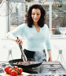 Nigella-Lawson-cooking-1010762